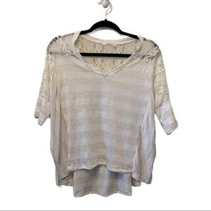 Easel striped Cream/White top with lace